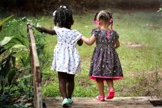 girls-462072_960_720